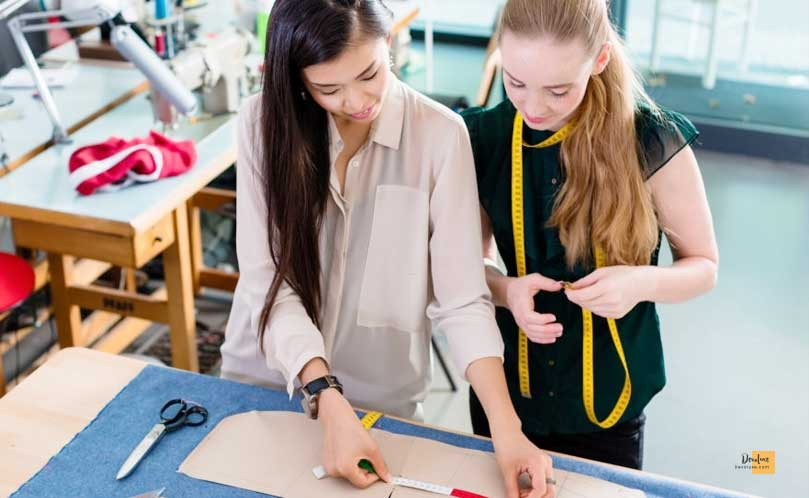 Personal Assistant How to Get into the Fashion Industry as a Teenager how to make money from fashion designing