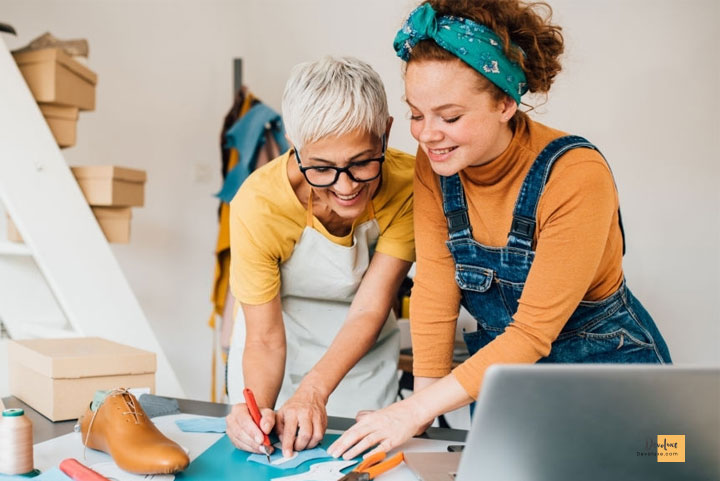 How to Become a Fashion Designer with no Experience  |  7 Steps Learn more and more about fashion designing